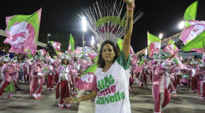 A Mangueira honrou a nação brasileira!