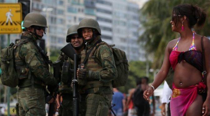 Cartas, Política e Copacabana.